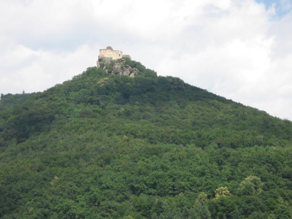 Agstein castle ruins